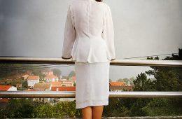 Octavia y el vestido blanco